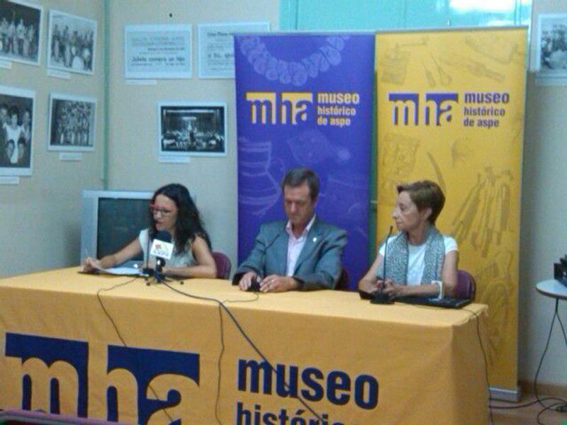 Photo of Alejandro Cañestro y Nuria Guilabert ganadores del premio de Investigación Manuel Cremades