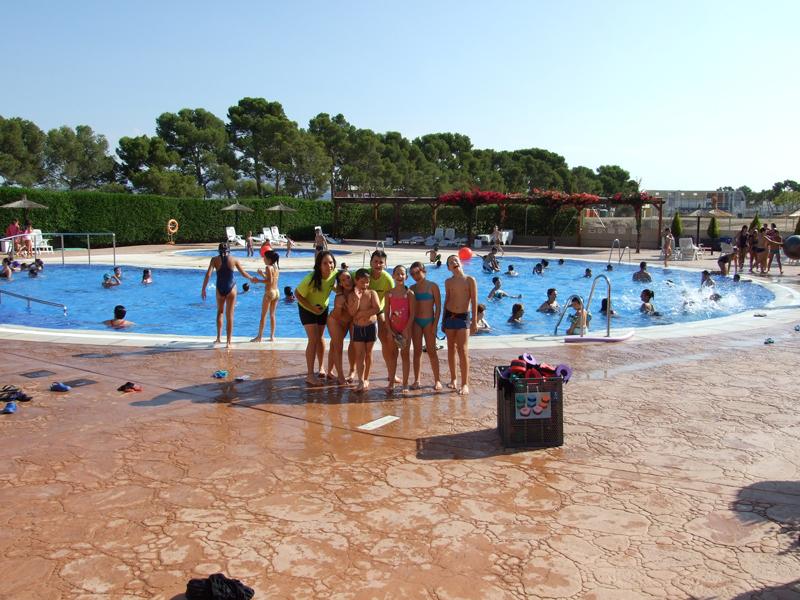 Aspe aspe abre al p blico su piscina de verano for Piscina municipal alicante