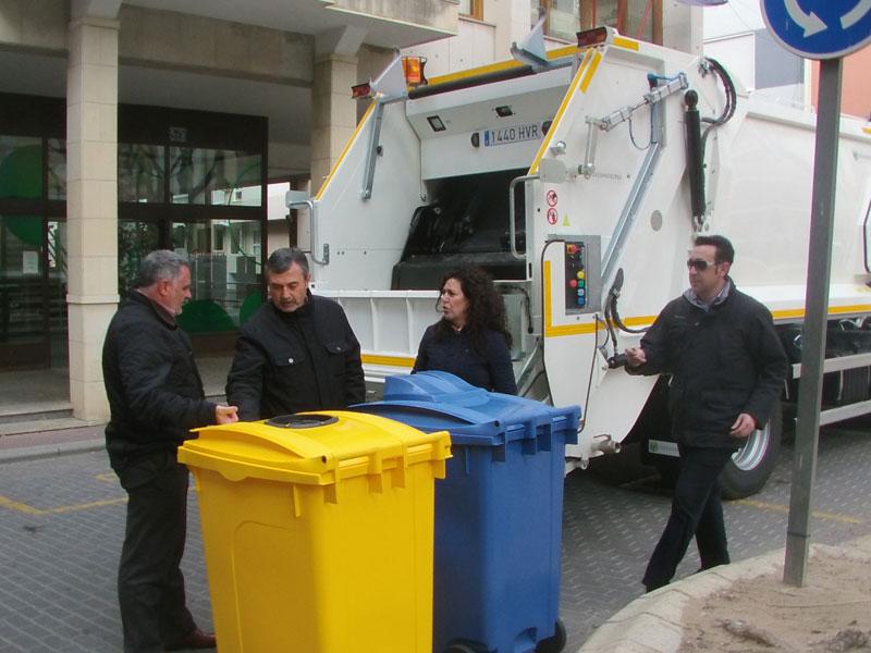 Photo of Instalación de nuevos contenedores de reciclaje en los centros escolares