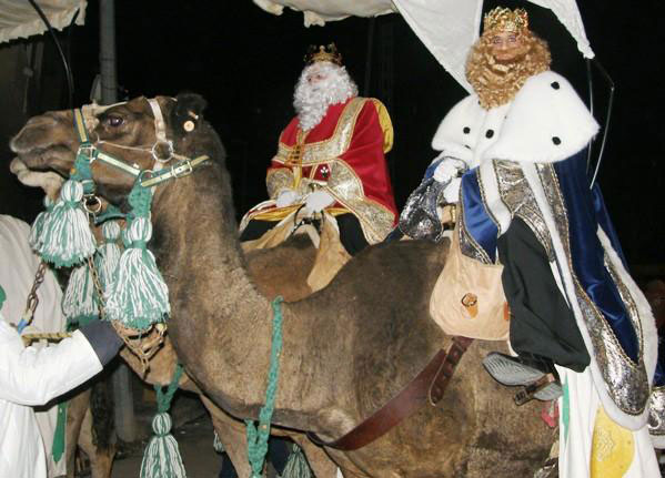 Photo of #Aspe: Cinco carrozas y más de 500 personas en la Cabalgata de Reyes de Aspe