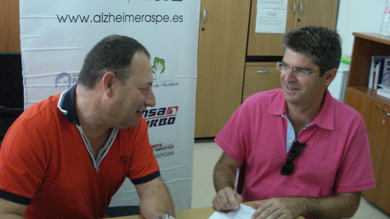 Photo of La Fundación Juan Perán Pikolinos colabora con la Asociación contra el Alzheimer