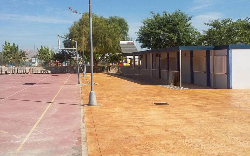 Photo of Servicios renueva el patio de El Castillo y los desprendimientos de La Paloma