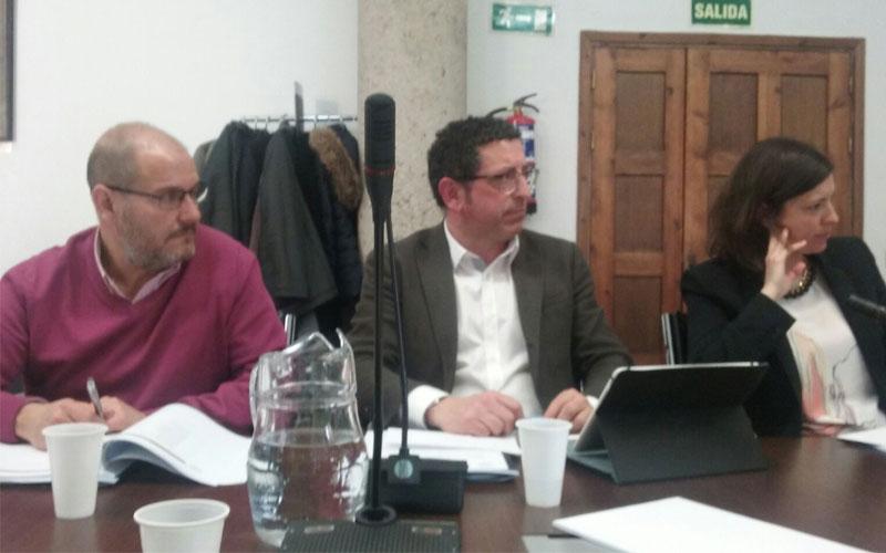 Photo of El alcalde de #Petrer participa en la Comisión de Educación de la FEMP en Madrid