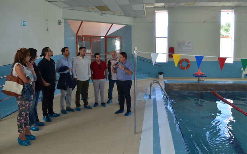 Petrer la piscina cubierta de san fernando abre sus for Piscina san fernando