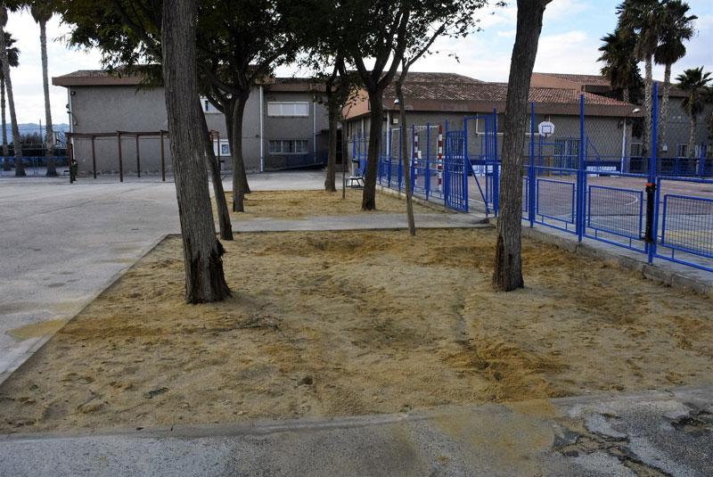 Photo of #Elda: Reparan el patio del CEIP Rico y Amat para evitar accidentes