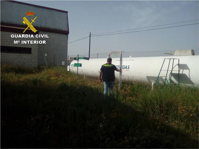 Photo of #Villena: Detienen a un hombre que robó tubos de gas propano provocando una peligrosa fuga