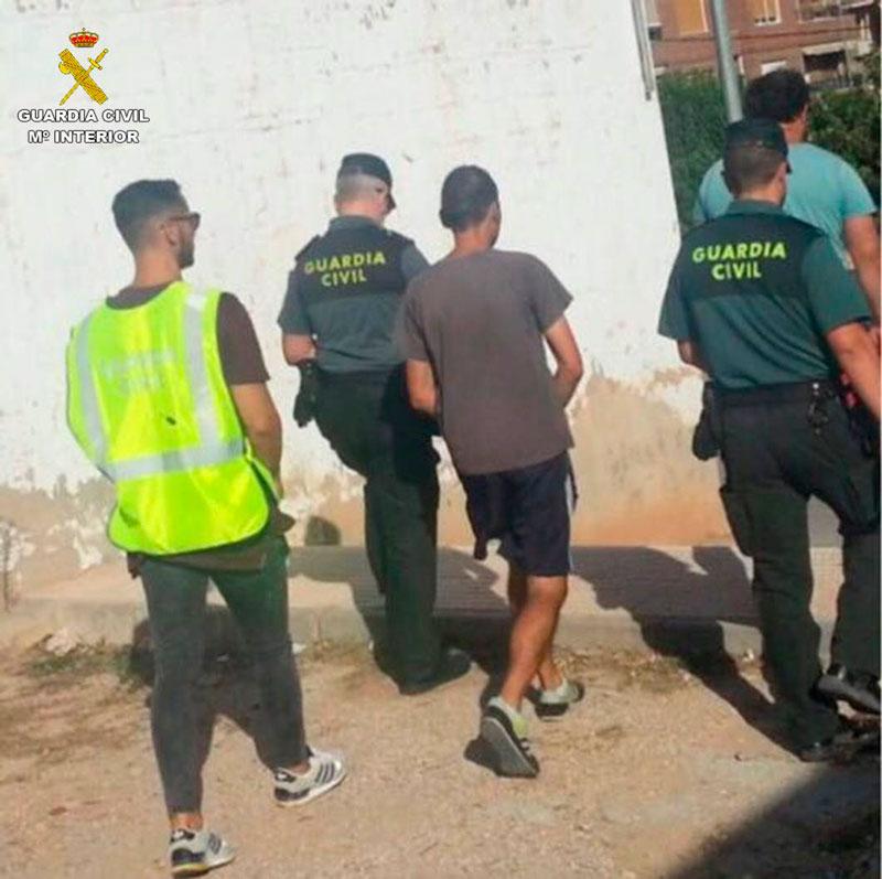 Photo of #Sax: Detienen en Sax a dos hombres que robaban vehículos para cometer robos en casas de campo