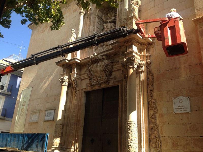 Photo of #Aspe: Nueva limpieza de excrementos de paloma en la basílica