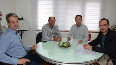 Photo of #Pinoso: Renuevan el convenio para el campo experimental de almendros y olivos en Pinoso