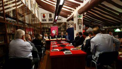 """Photo of #Diputación: Reeditan """"La ruta de Don Quijote"""" de Azorín con ilustraciones de Joan Castejón"""
