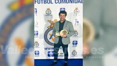 Photo of #Monforte: Fernando Saugar recibe una distinción por parte de la Federación Valenciana de Fútbol