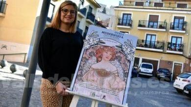 """Photo of #Petrer: Bailarán la """"mazurca de las sombrillas"""" en la Feria Modernista"""