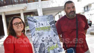 """Photo of #Petrer ya tiene cartel de Fiestas Patronales bajo el título """"Essència de Petrer"""""""