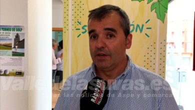 """Photo of #Aspe: Antonio Puerto: """"Apoyamos a los productores de uva recogiendo bolsos y aumentando la seguridad"""""""