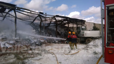 "Photo of #Aspe: Antonio Puerto: ""En 24 horas podría estar extinguido el incendio de la nave industrial"""