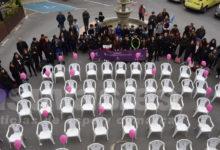 Photo of #Pinoso: Sillas blancas vacías que simbolizaban la ausencia de todas las mujeres asesinadas en 2019