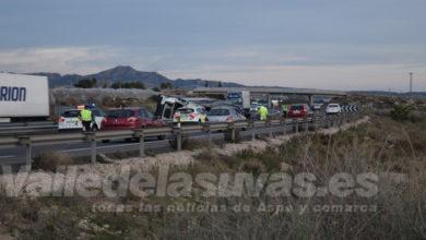 Photo of #Novelda: Vuelca un camión de mandarinas en la autovía