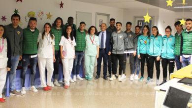 Photo of #Comarca: El Elche Club de Fútbol entrega regalos a los niños ingresados en el Hospital del Vinalopó