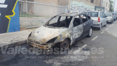 Photo of #Aspe: Arden dos coches por el incendio de un contendor de reciclaje