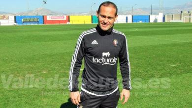 Photo of #Aspe: Nino, delantero del Elche CF, visita el campo de Las Fuentes