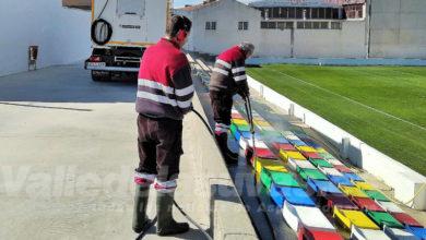 Photo of #Aspe: Deportes higieniza las butacas del campo de fútbol de Las Fuentes