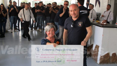 Photo of #Aspe: La comparsa Duque de Maqueda entrega 400 euros a APDA
