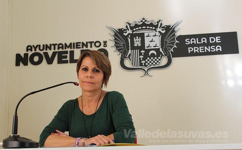 Lourdes Abad, Novelda