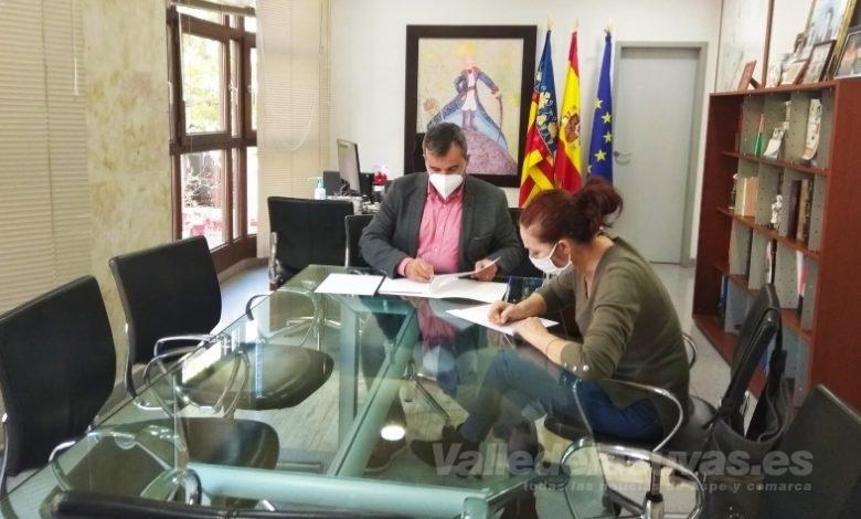 Photo of #Aspe: Firman el primer convenio entre el Ayuntamiento e Iguales Salud Mental
